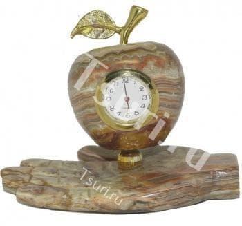 Часы из оникса Яблочко на ладони