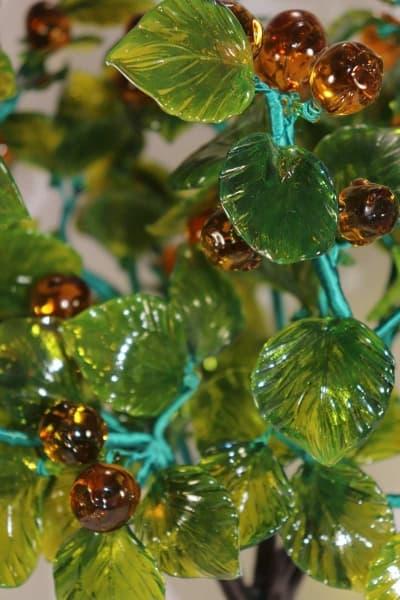 Сувенир из стекла орешник