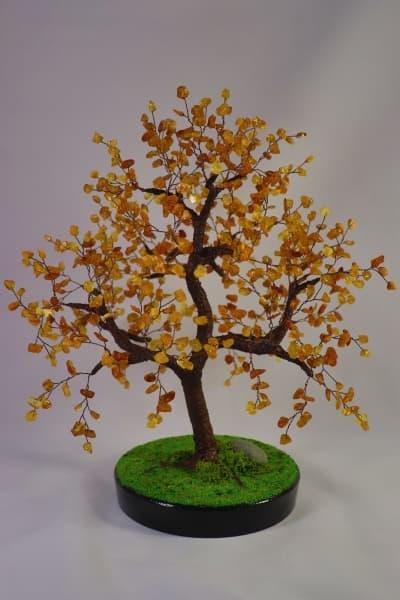 Дерево из янтаря