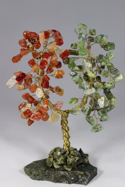 Семейное дерево Благополучия из камня