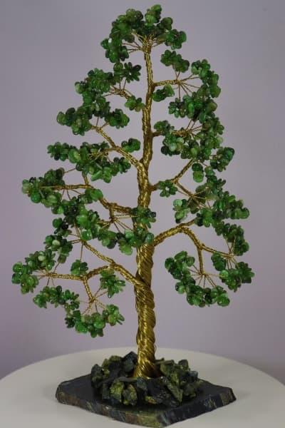 Дерево из нефрита