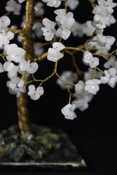 Дерево счастья из белого агата