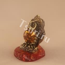 thumb_ar001303a Статуэтки и фигурки из бронзы на янтаре